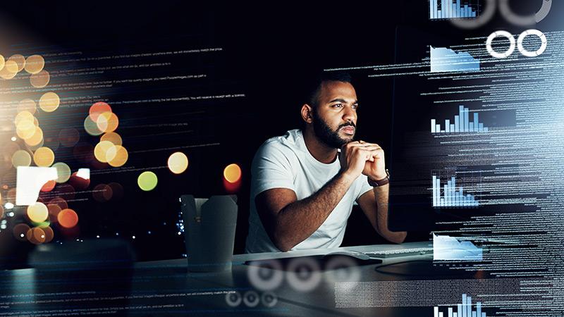 developer-analysing-data
